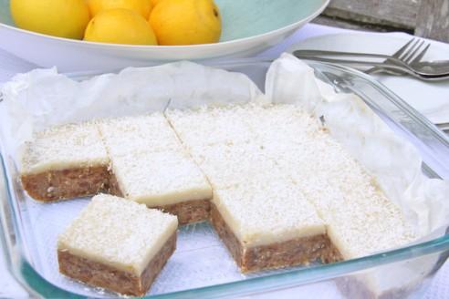 Lemon_Coconut_Apricot_Slice_3_grande